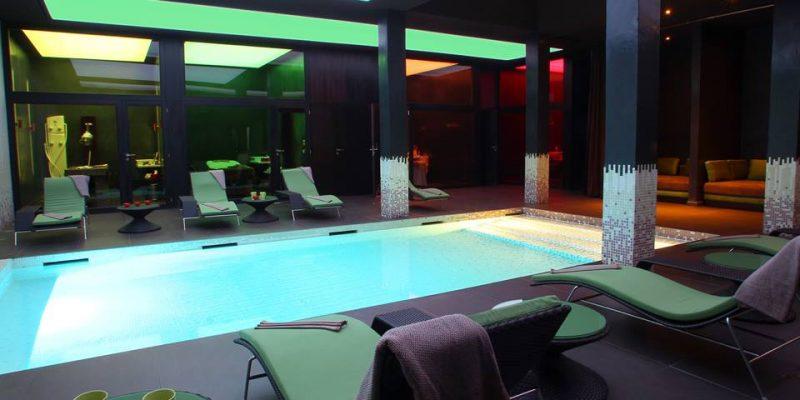 découvrez notre magnifique piscine intérieur au sein de l'Atlas Golf Marrakech